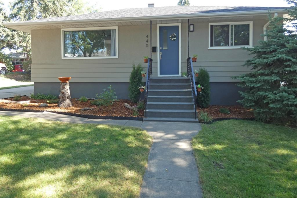 440 Thornhill Place NW, Calgary