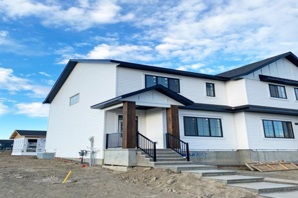 420 Reynolds Avenue SW, Airdrie