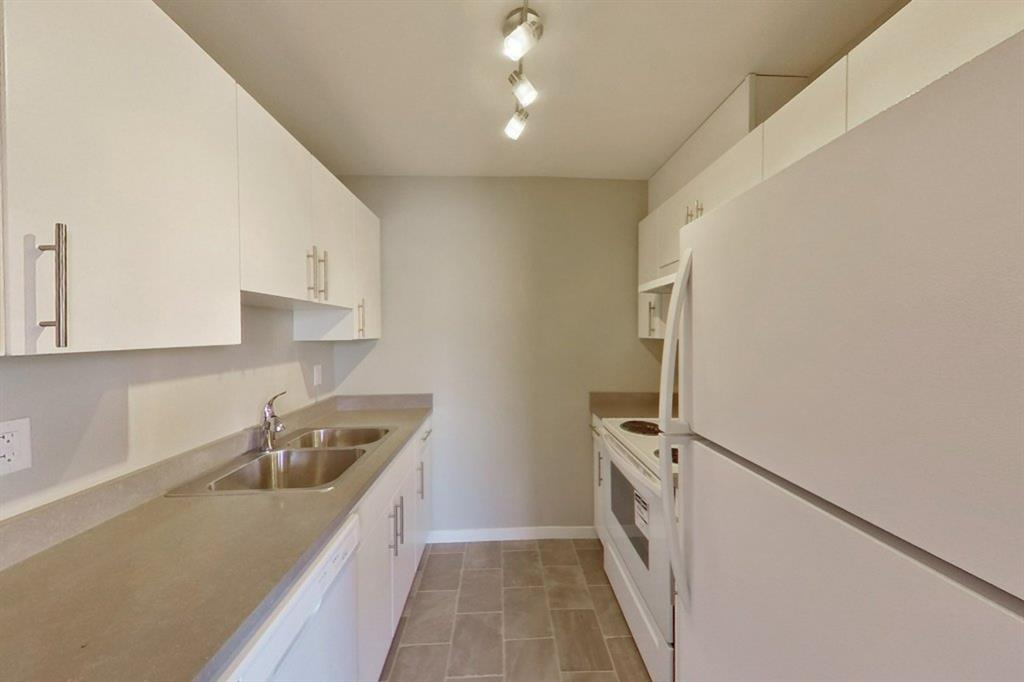 Listing A1139611 - Large Photo # 4