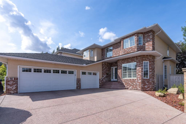 438 Candle Place SW, Calgary