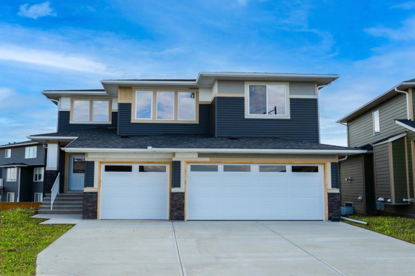 18 CHELSEA Bay, Chestermere