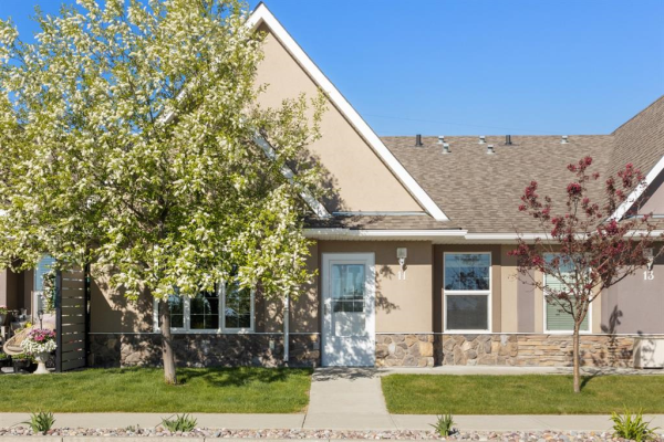 24 River Heights View, Cochrane