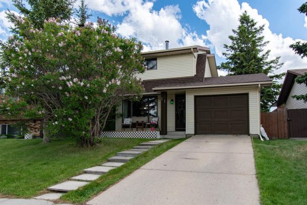 31 Summerwood Road SE, Airdrie