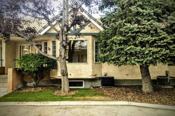 36 Richelieu Court SW, Calgary