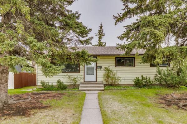 2506 35 Street SE, Calgary