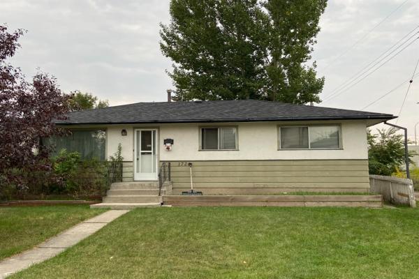 1726 44 Street SE, Calgary