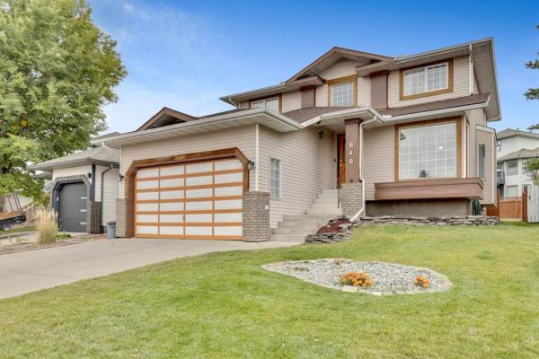 646 Douglas Woods Place SE, Calgary