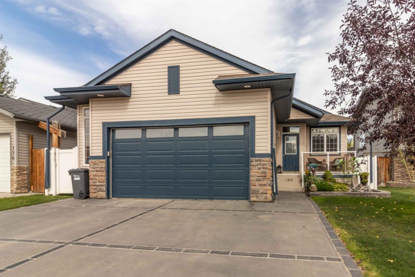 180 Iverson Close, Red Deer