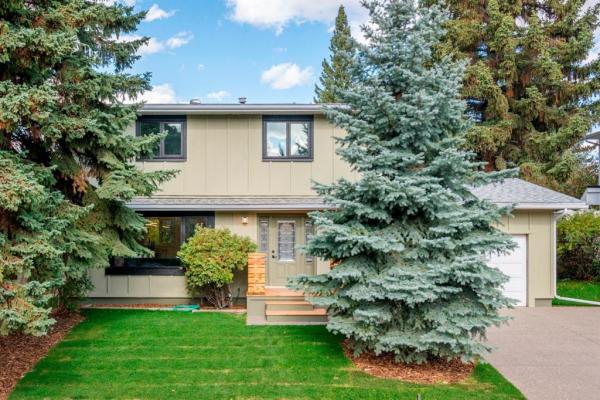 1808 104 Avenue SW, Calgary