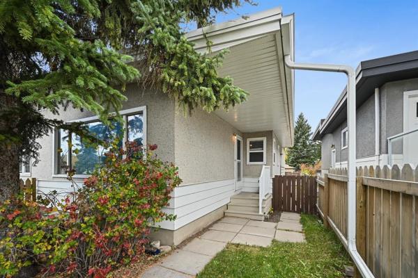 2107 50 Avenue SW, Calgary