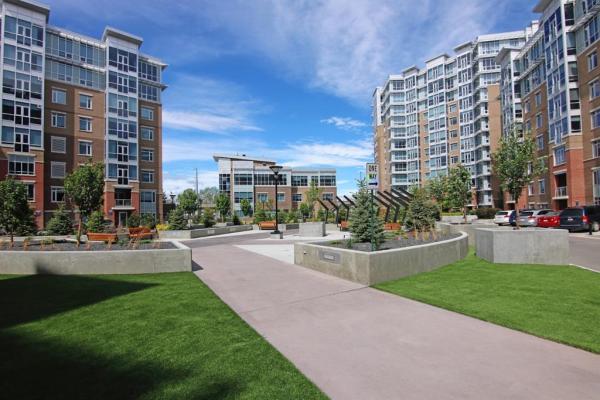 32 Varsity Estates Circle NW, Calgary