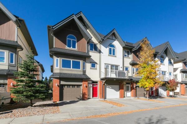 602 Wentworth Villas SW, Calgary
