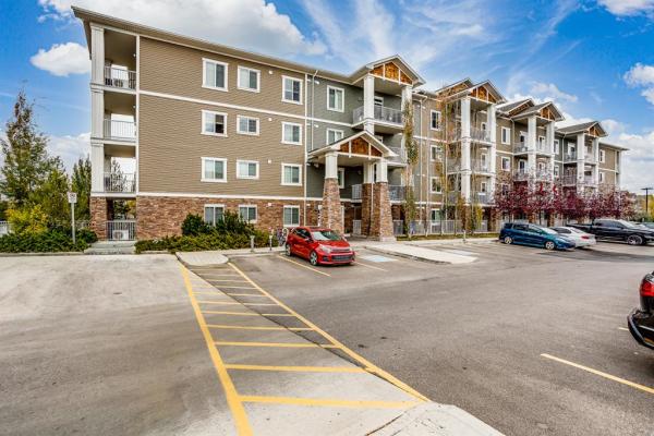 406 Cranberry Park SE, Calgary