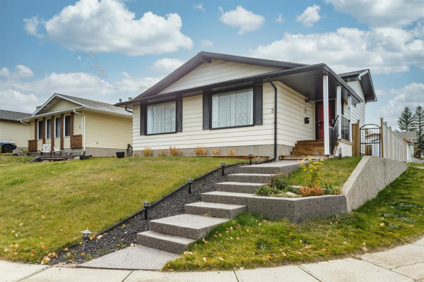 3 Bearberry Place NW, Calgary