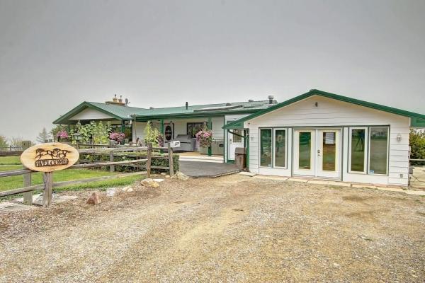 424064 Highway 783, Rural Foothills County