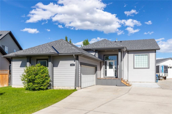 238 CANOE Square SW, Airdrie