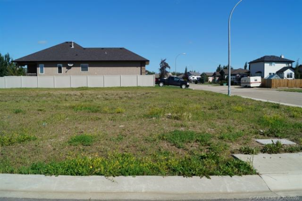 6402 53 Avenue Close, Ponoka