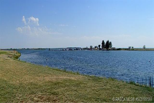 33 Kingfisher Estates, Lake Newell Resort