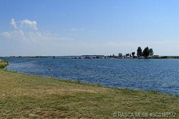 35 Kingfisher Estates, Lake Newell Resort