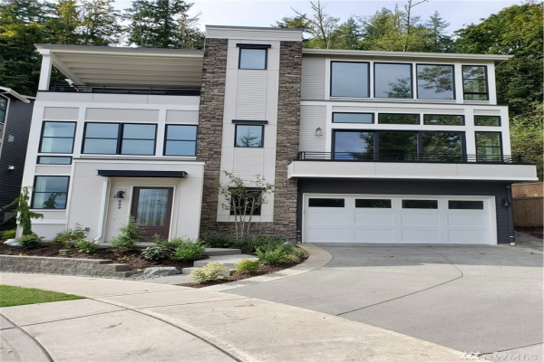 548 Foothills Dr NW, Issaquah
