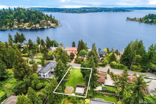 9552 Lake Washington Blvd NE, Bellevue