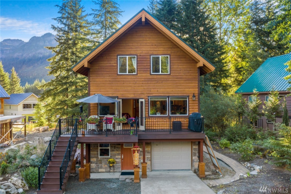190 Rampart Dr, Snoqualmie Pass