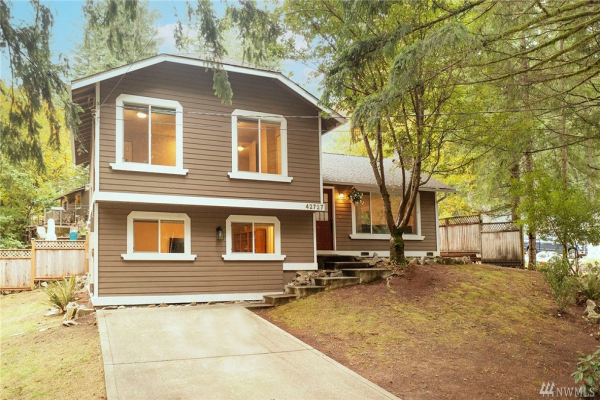 42727 SE 168th Place, North Bend