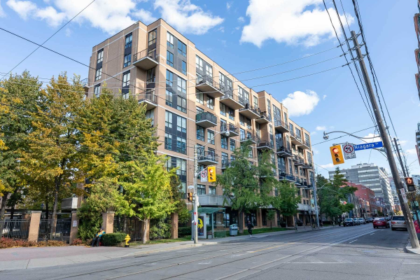 800 King St W, Toronto
