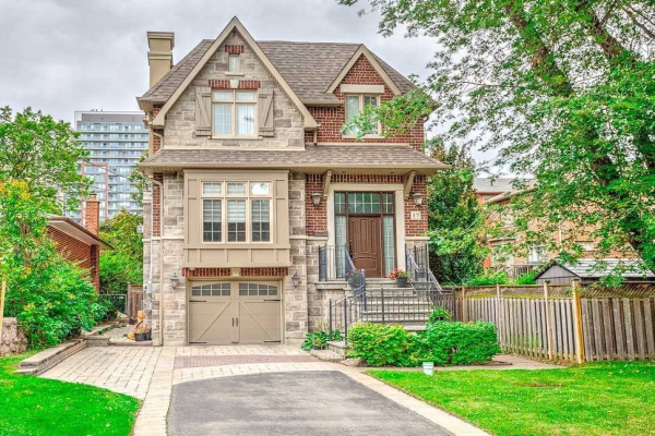 17 Basswood Rd, Toronto