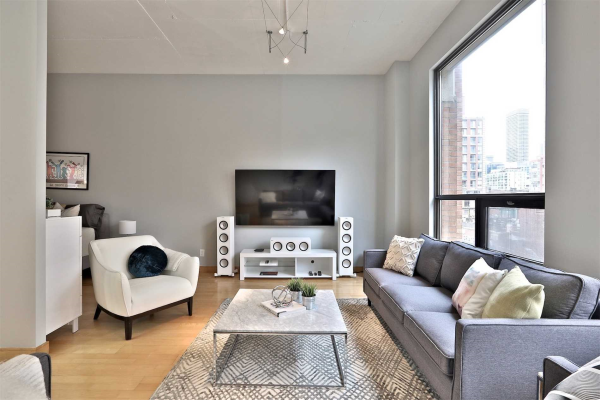 180 Frederick St, Toronto