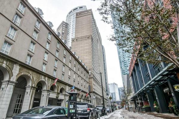 25 The Esplanade Way, Toronto