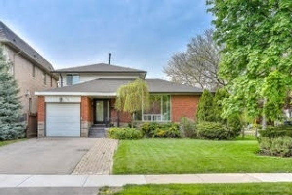 562 Old Orchard Grve, Toronto