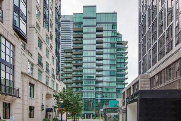 77 Charles St W, Toronto