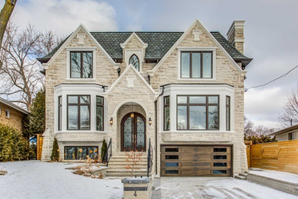 4 Ravenscroft Circ, Toronto