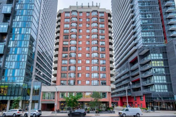 192 Jarvis St, Toronto
