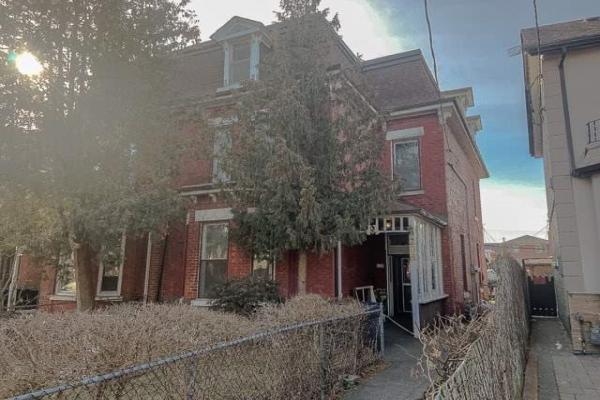 208 Dovercourt Rd, Toronto