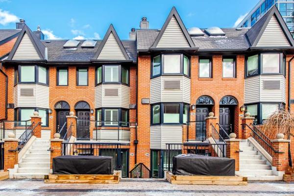 570 Wellington St W, Toronto