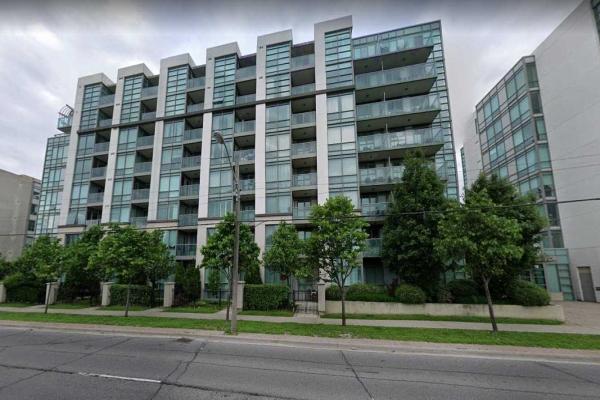 3830 Bathurst St, Toronto