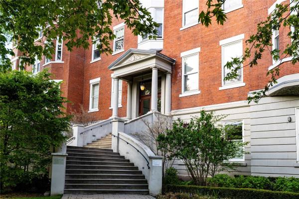 385 Brunswick Ave, Toronto