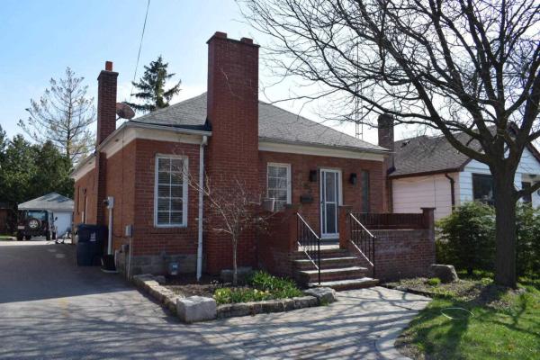 205 Burnett Ave, Toronto