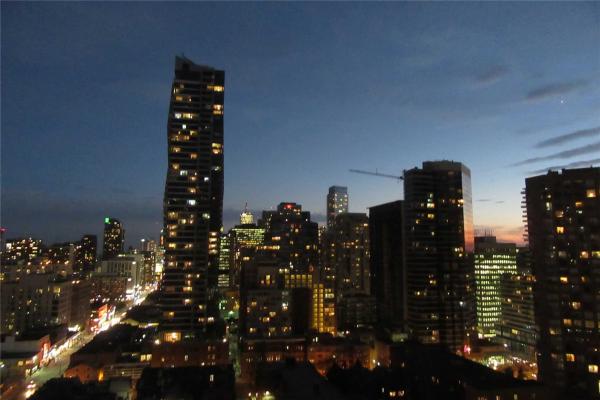 75 St Nicholas St, Toronto