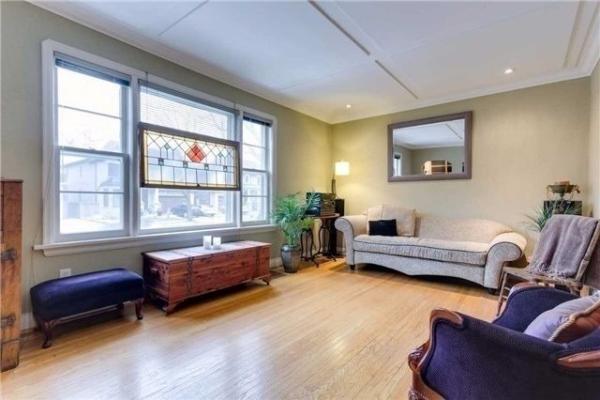 209 Homewood Ave, Toronto