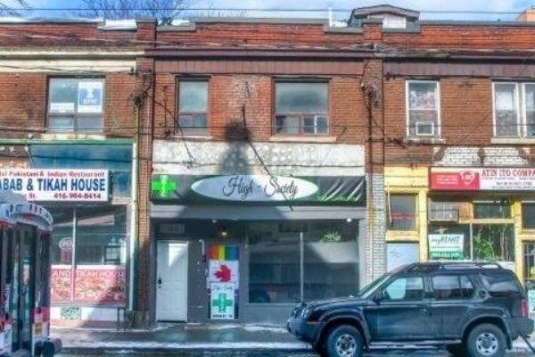 180 Carlton St, Toronto