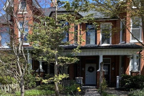 423 St Clarens Ave, Toronto
