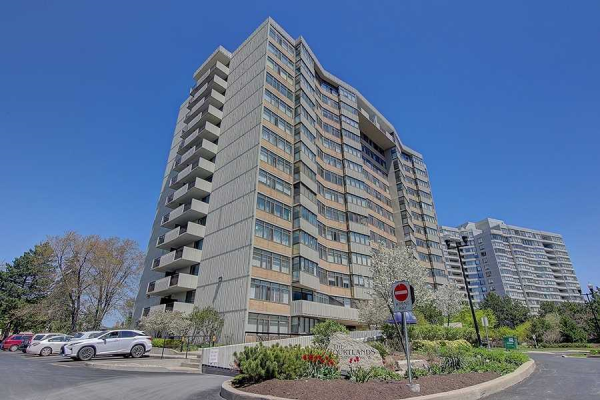 1201 Steeles Ave W