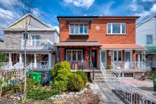 397 Crawford St, Toronto