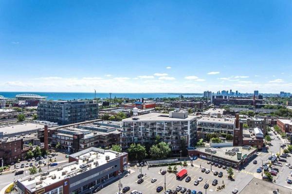125 Western Battery Rd, Toronto