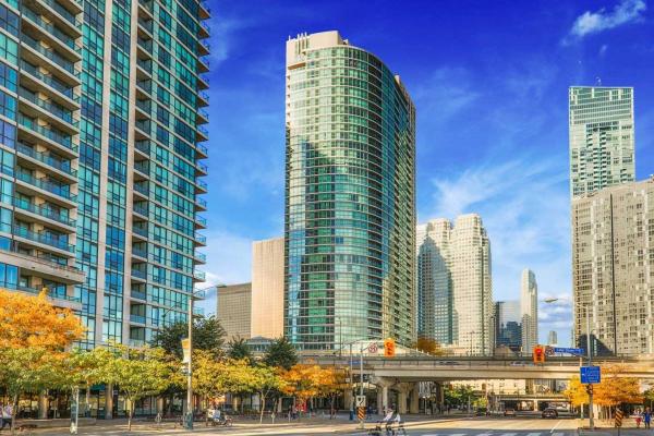 18 Yonge St, Toronto
