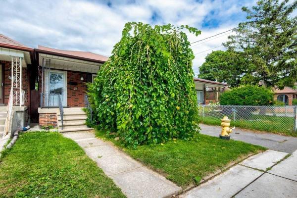 70 Amherst Ave, Toronto