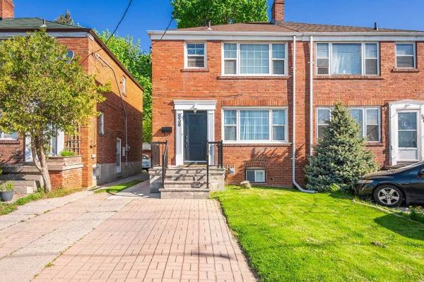 938 Eglinton Ave E, Toronto